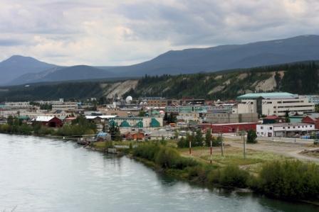 Yukon_River_at_Whitehorse_-b.jpg